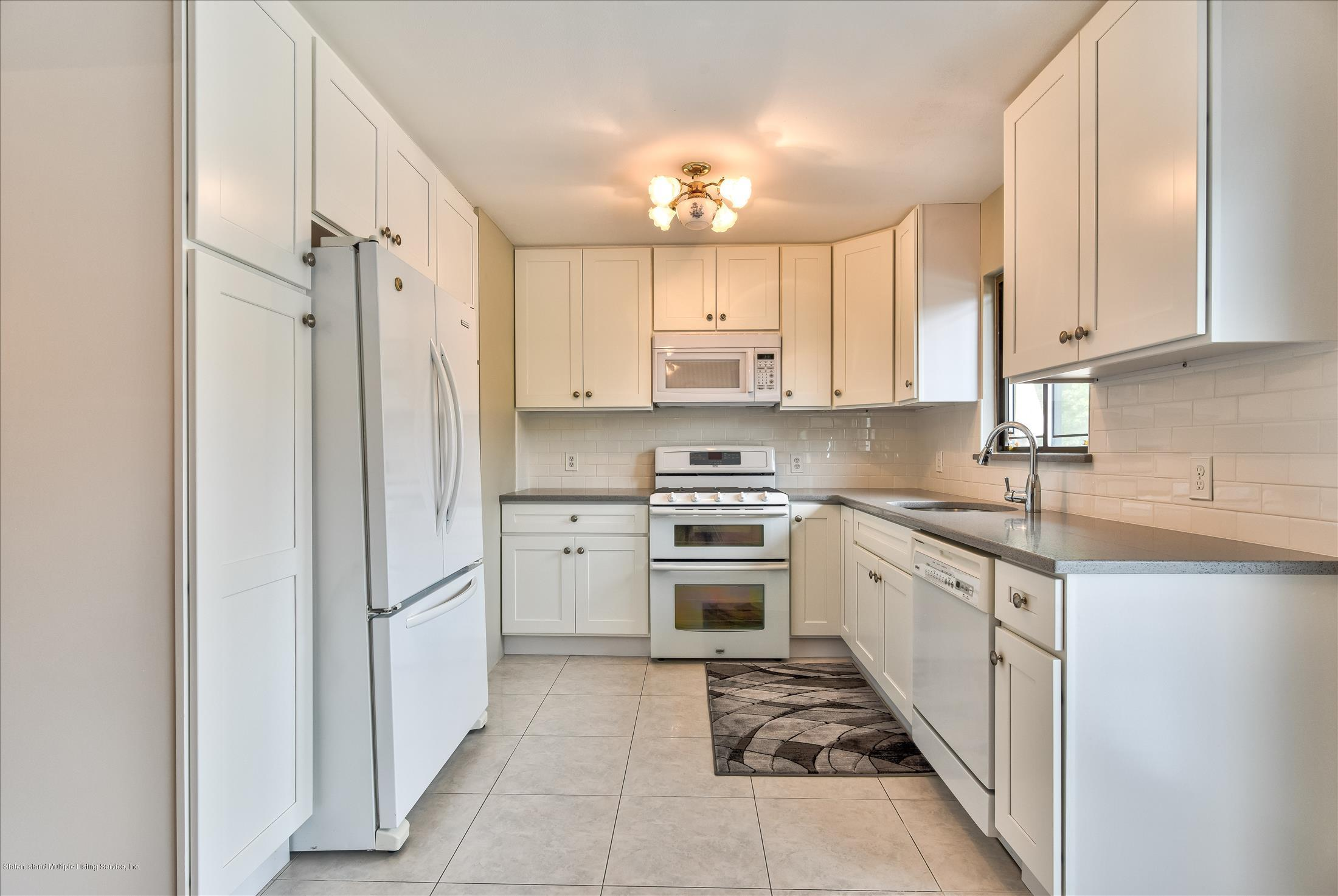Single Family - Attached 833 Rensselaer Avenue  Staten Island, NY 10309, MLS-1125461-22