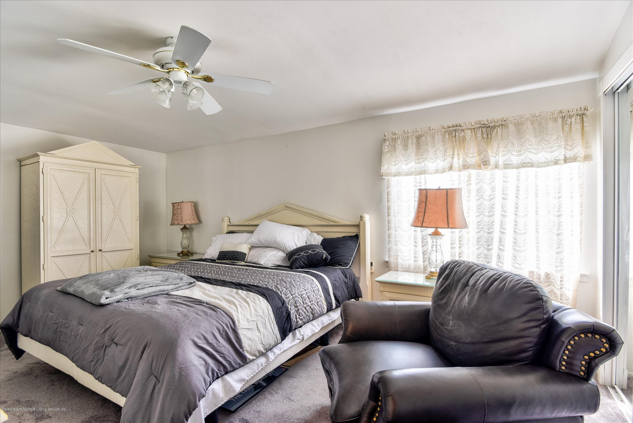Single Family - Attached 833 Rensselaer Avenue  Staten Island, NY 10309, MLS-1125461-15