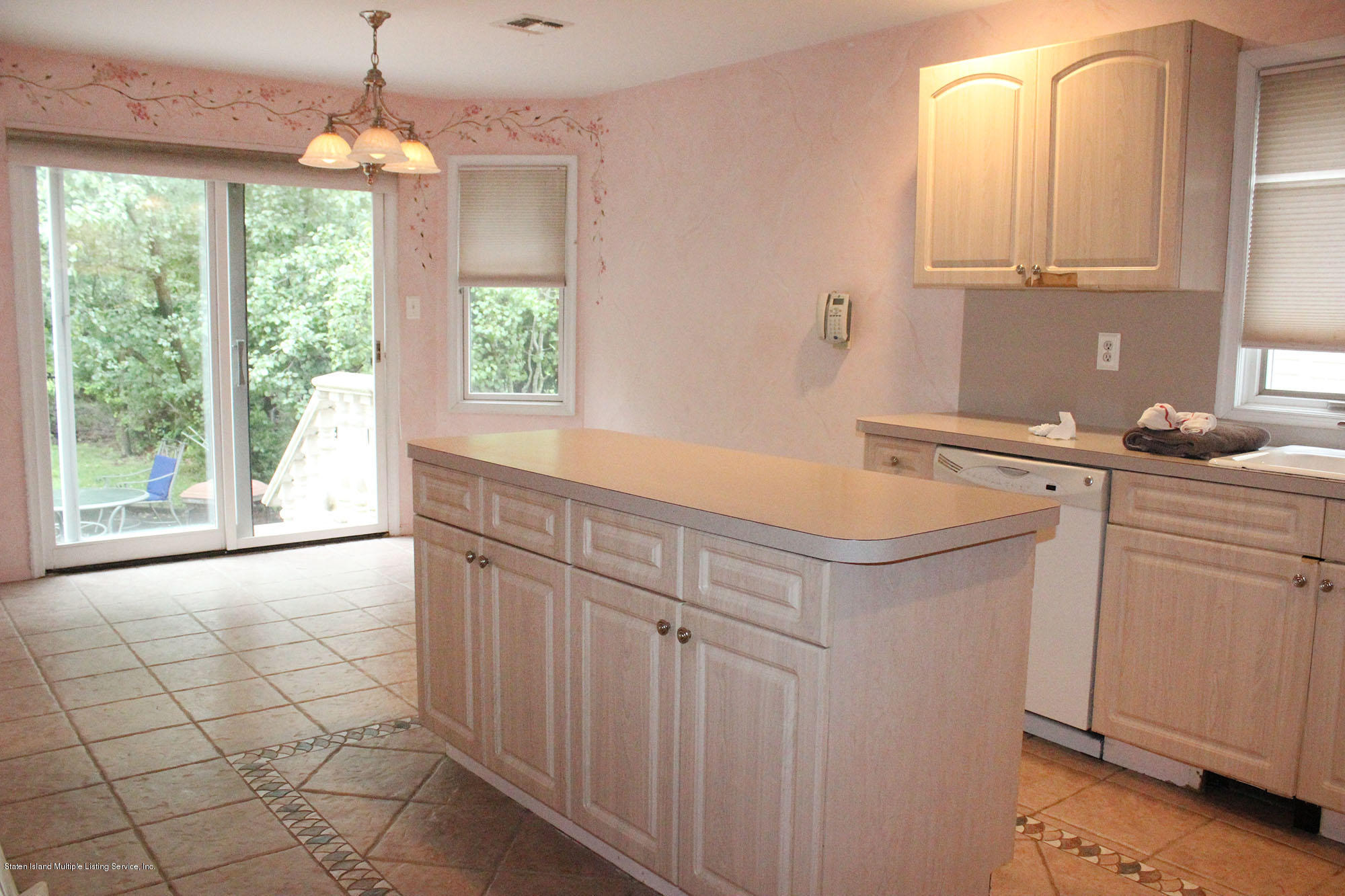 Single Family - Detached 64 Covington Circle  Staten Island, NY 10312, MLS-1130895-6