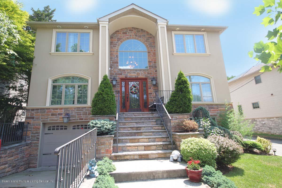 Two Family - Detached in Princes Bay - 107 Bayview Avenue  Staten Island, NY 10309