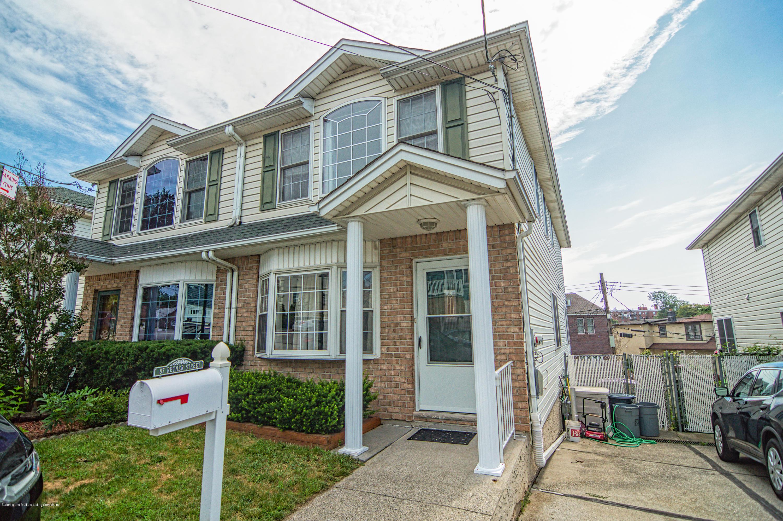 Single Family - Semi-Attached 87 Retner Street  Staten Island, NY 10305, MLS-1130963-2