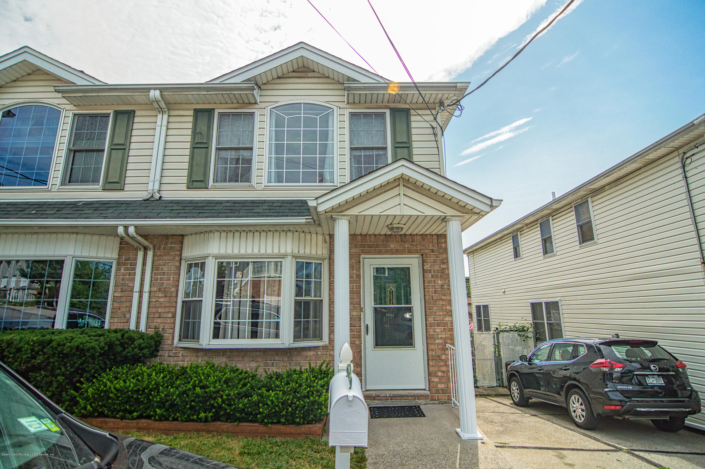Single Family - Semi-Attached in Arrochar - 87 Retner Street  Staten Island, NY 10305