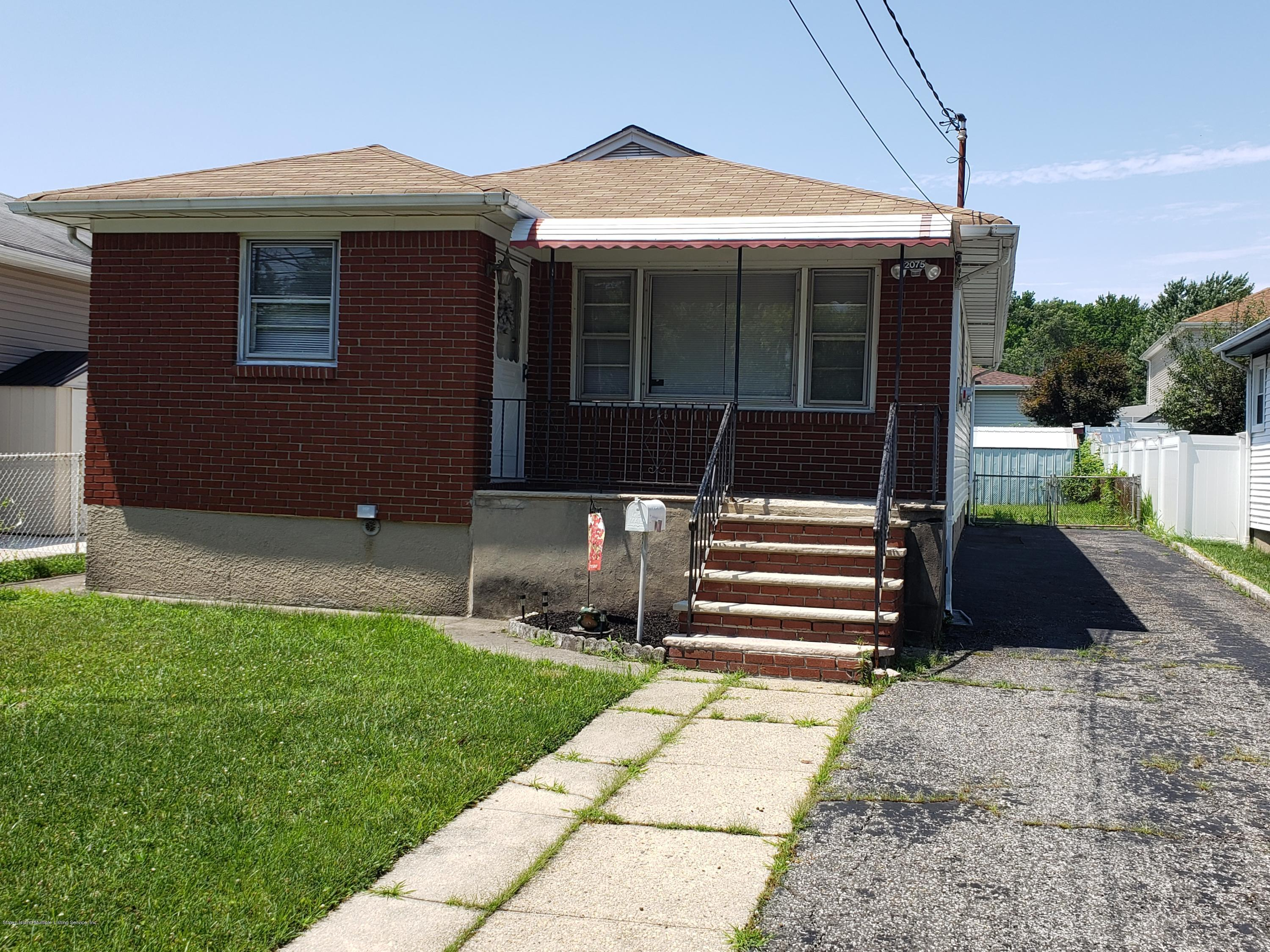 Single Family - Detached 2075 North Railroad Avenue  Staten Island, NY 10306, MLS-1127349-19