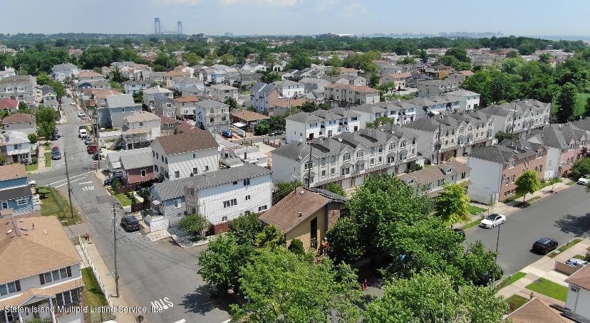 Single Family - Detached 301 Hamden Avenue  Staten Island, NY 10306, MLS-1131016-24