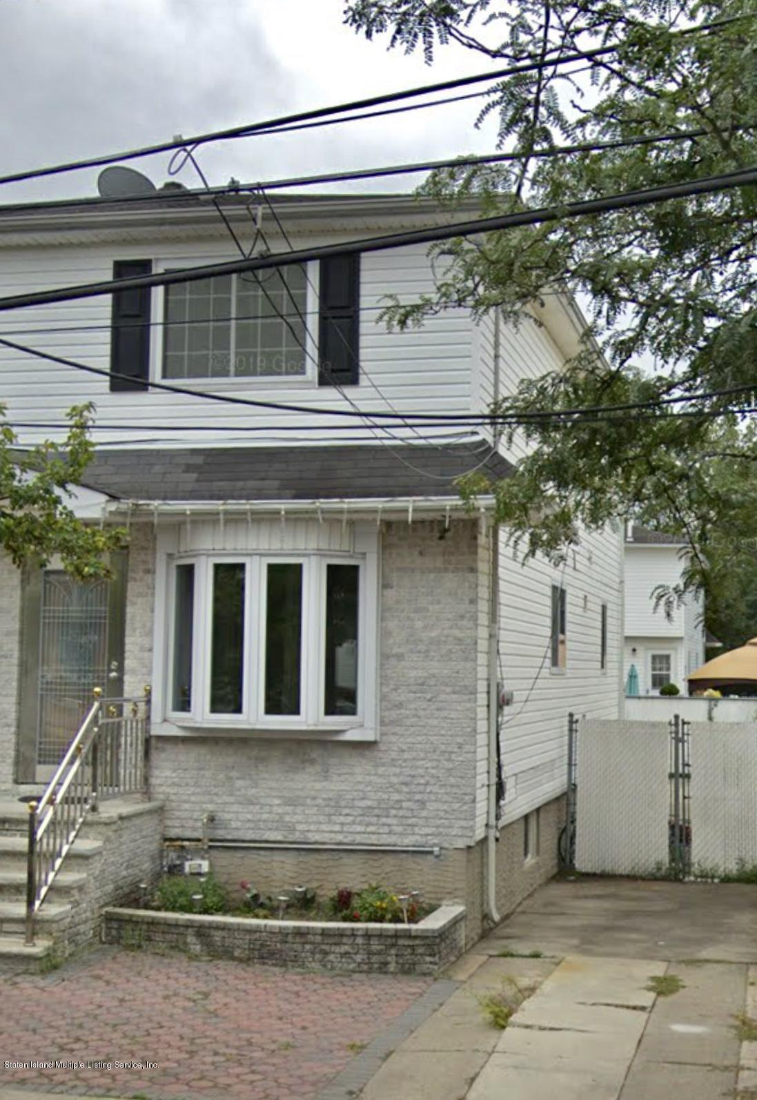 Single Family - Semi-Attached in South Beach - 122 Winfield Street  Staten Island, NY 10305