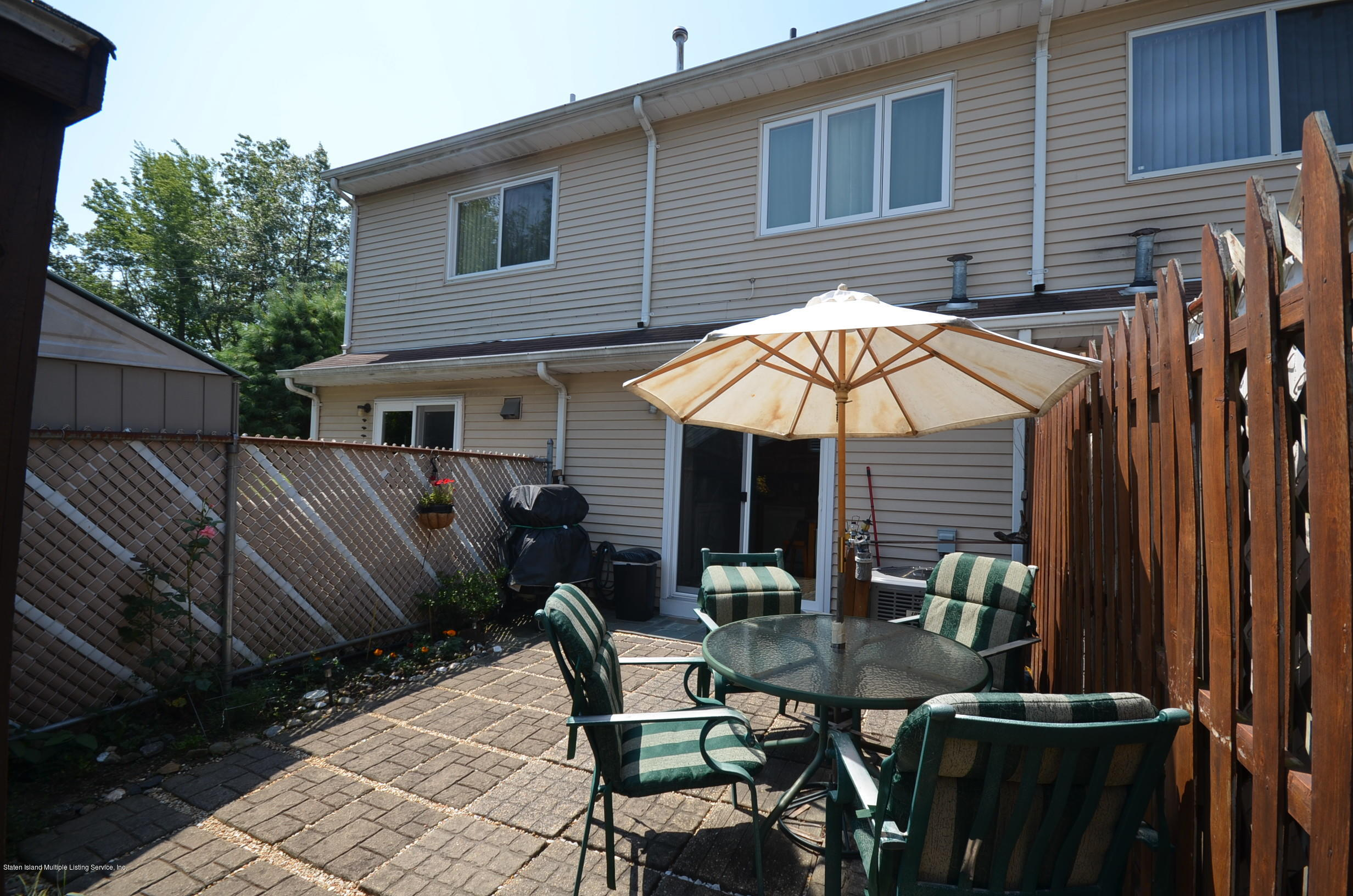 Single Family - Attached 5 Nugent Court  Staten Island, NY 10306, MLS-1131106-12