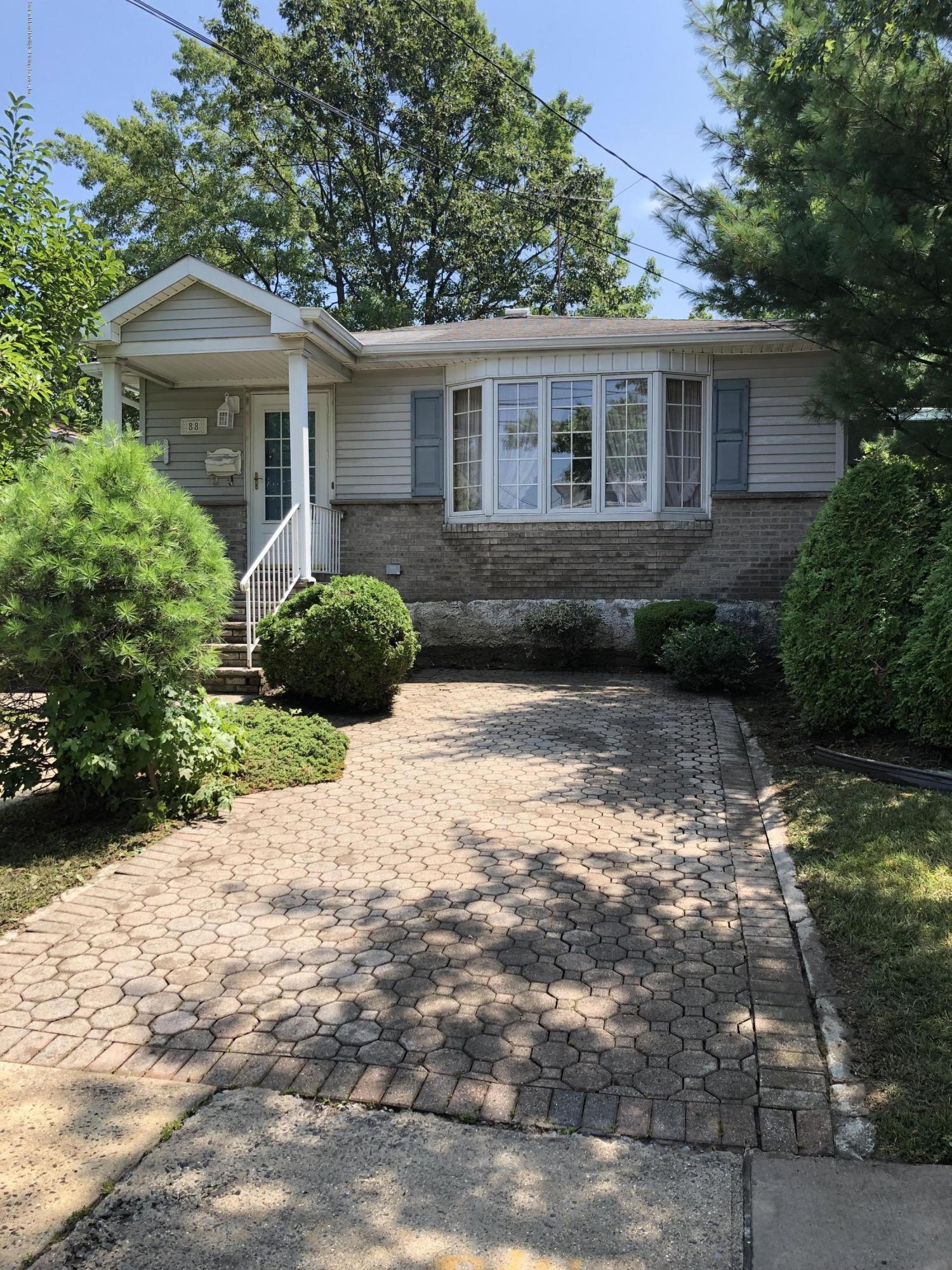 Single Family - Detached 88 Leverett Avenue  Staten Island, NY 10308, MLS-1131026-2