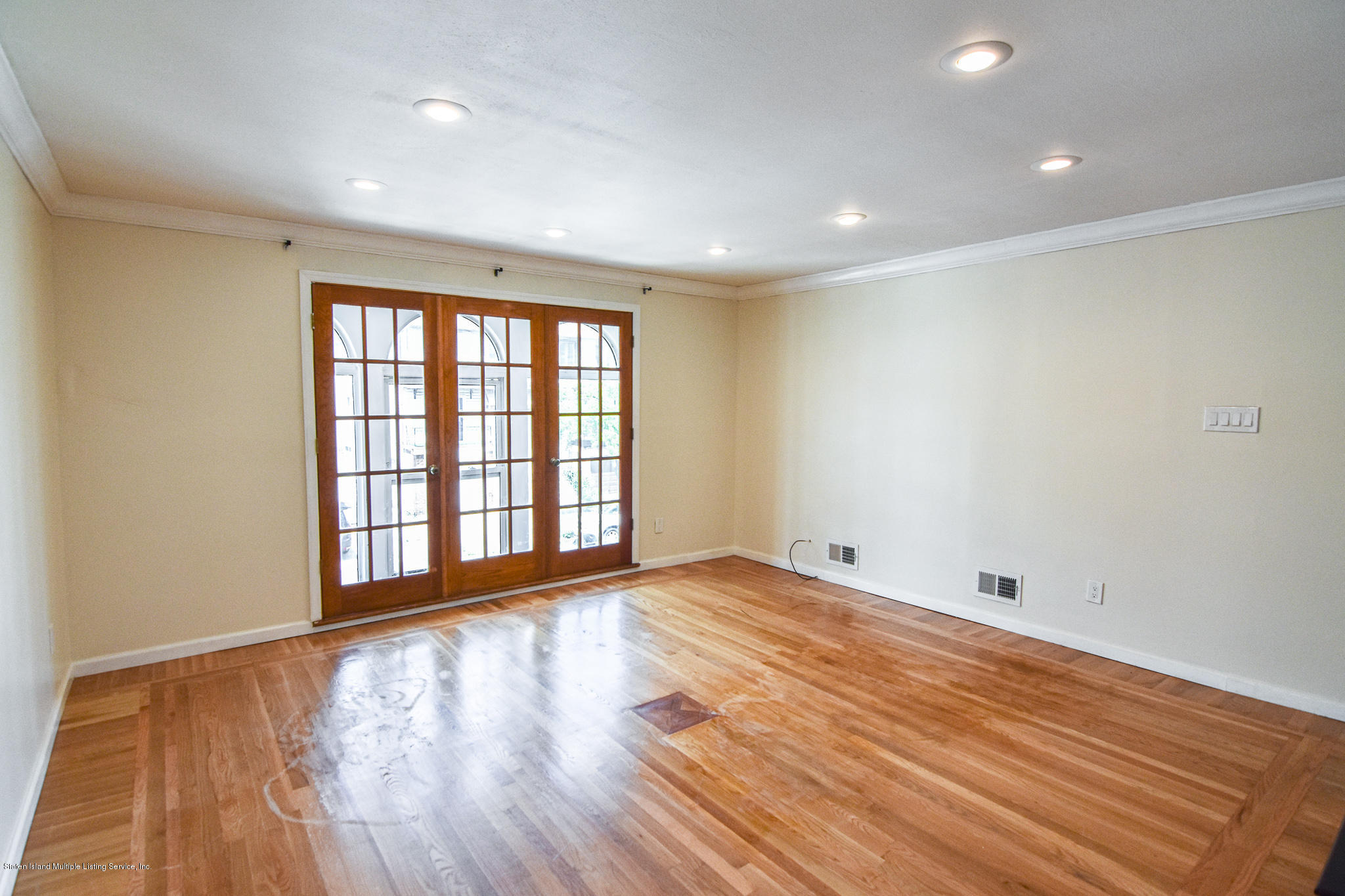 Single Family - Semi-Attached 12 Ebey Lane  Staten Island, NY 10312, MLS-1131132-8