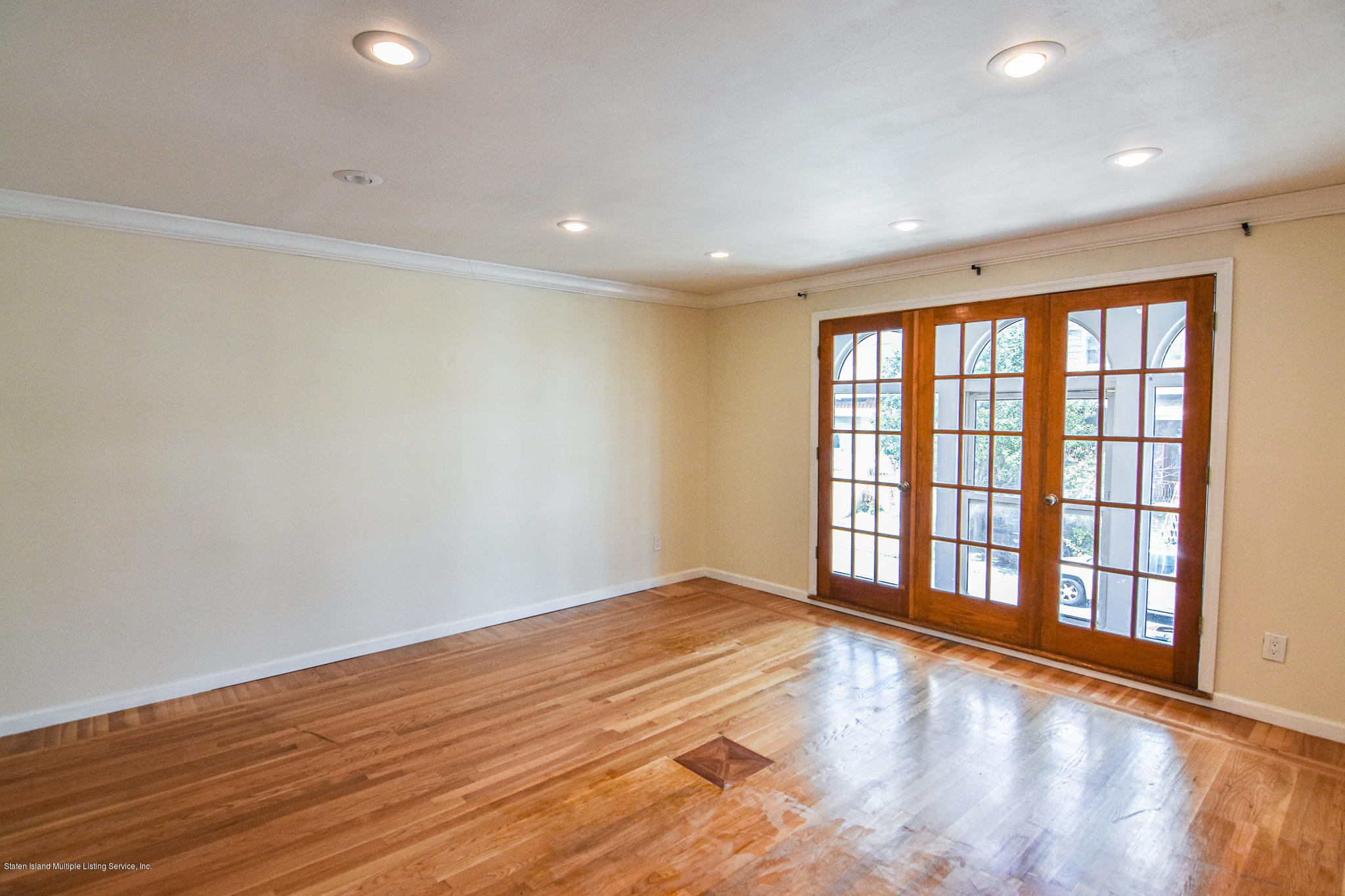 Single Family - Semi-Attached 12 Ebey Lane  Staten Island, NY 10312, MLS-1131132-9