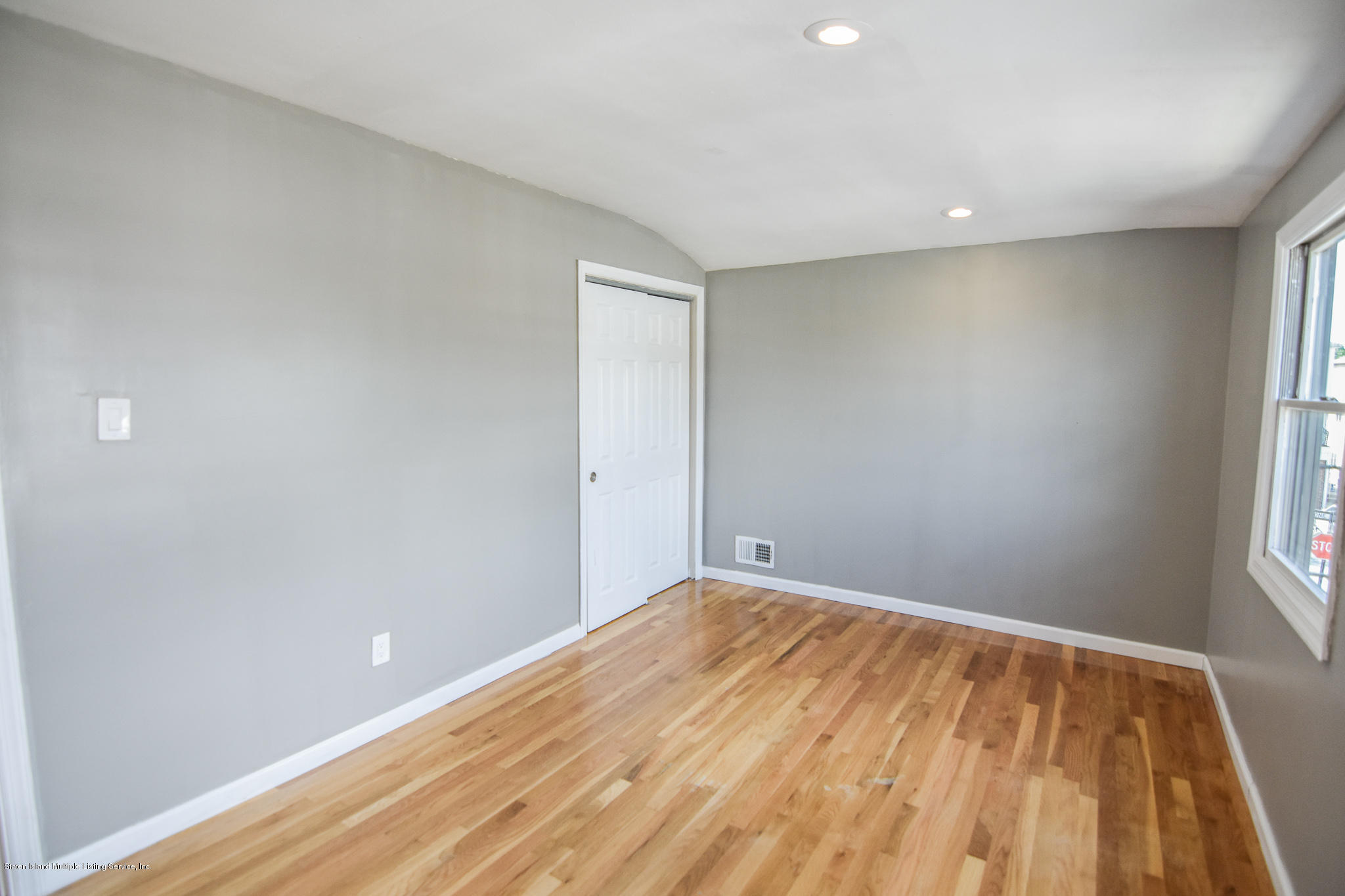 Single Family - Semi-Attached 12 Ebey Lane  Staten Island, NY 10312, MLS-1131132-16
