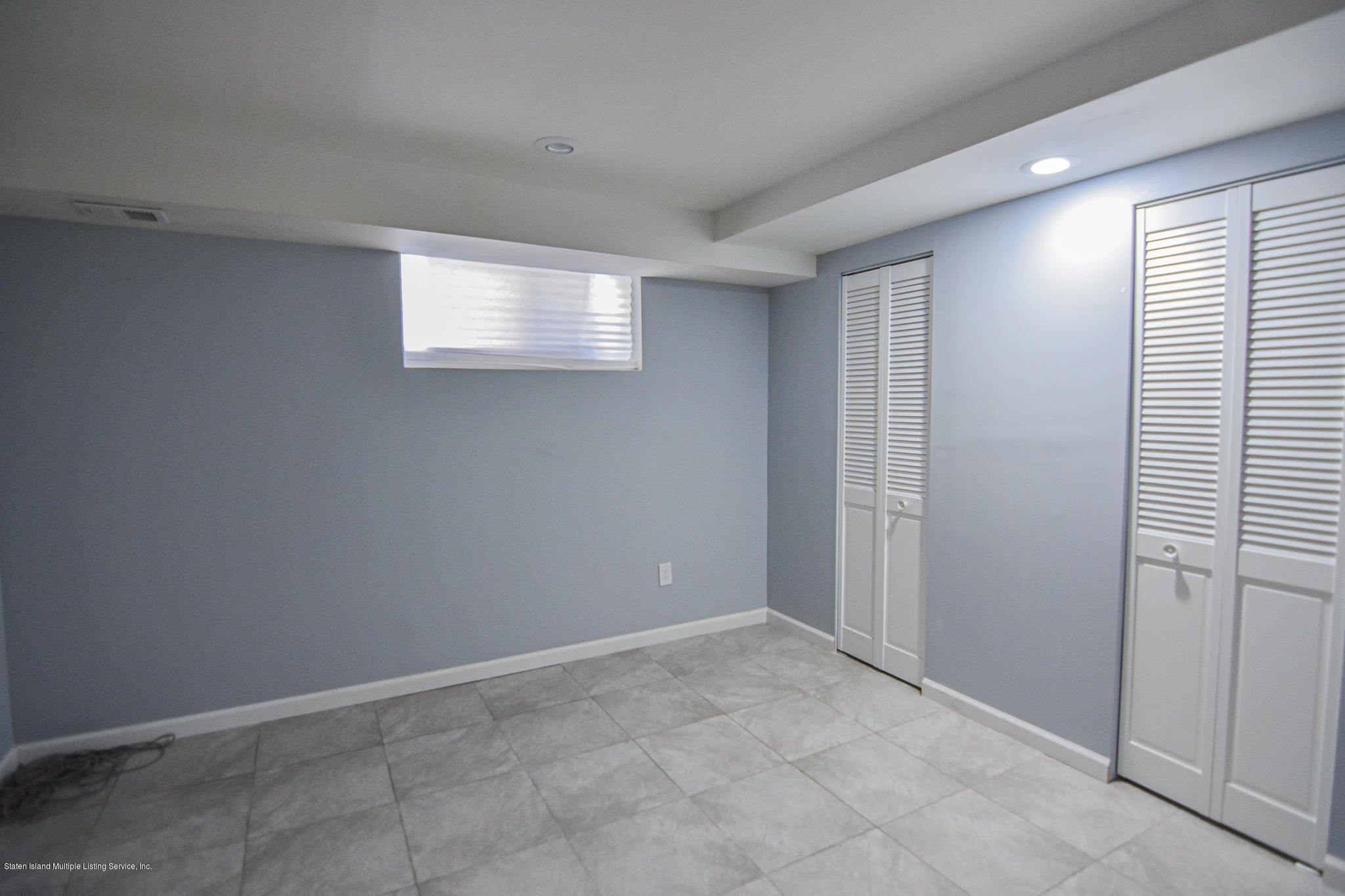 Single Family - Semi-Attached 12 Ebey Lane  Staten Island, NY 10312, MLS-1131132-21