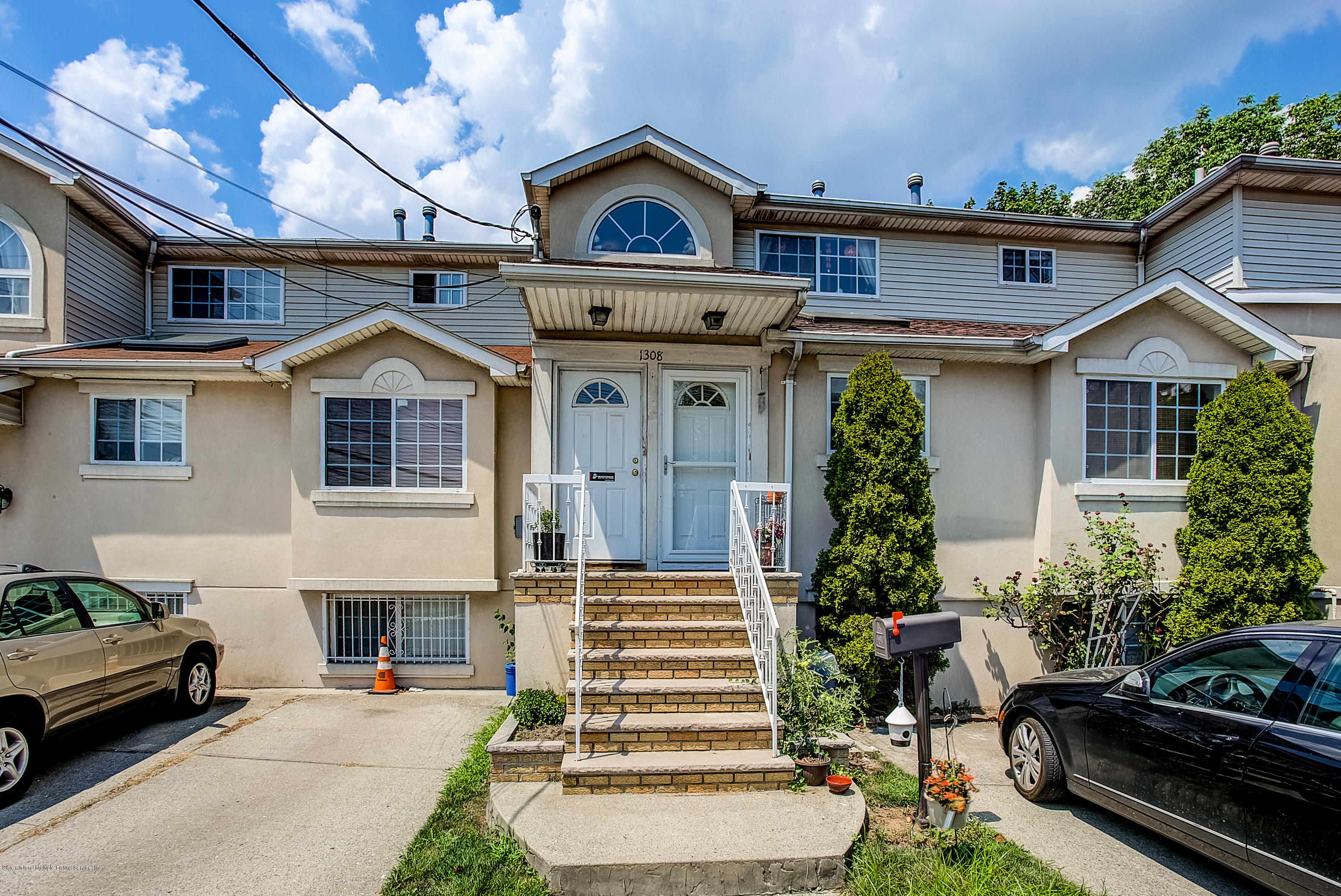 Two Family - Attached 1308 Richmond Avenue  Staten Island, NY 10314, MLS-1131134-2