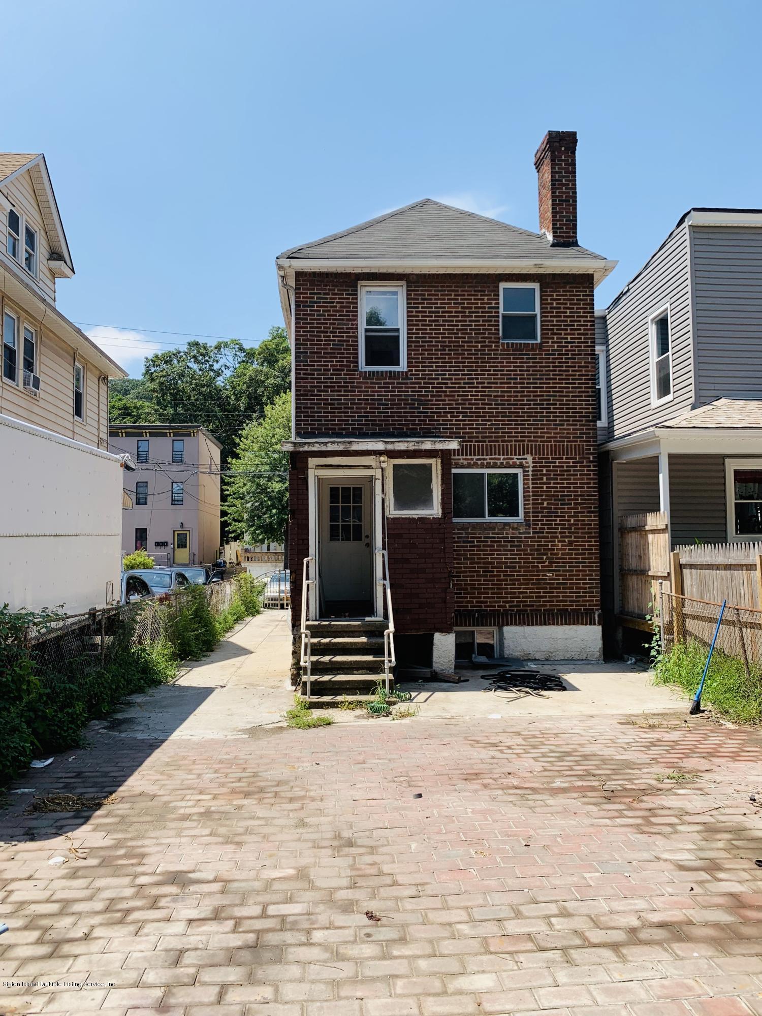 Single Family - Detached 253 Gordon Street  Staten Island, NY 10304, MLS-1131162-16