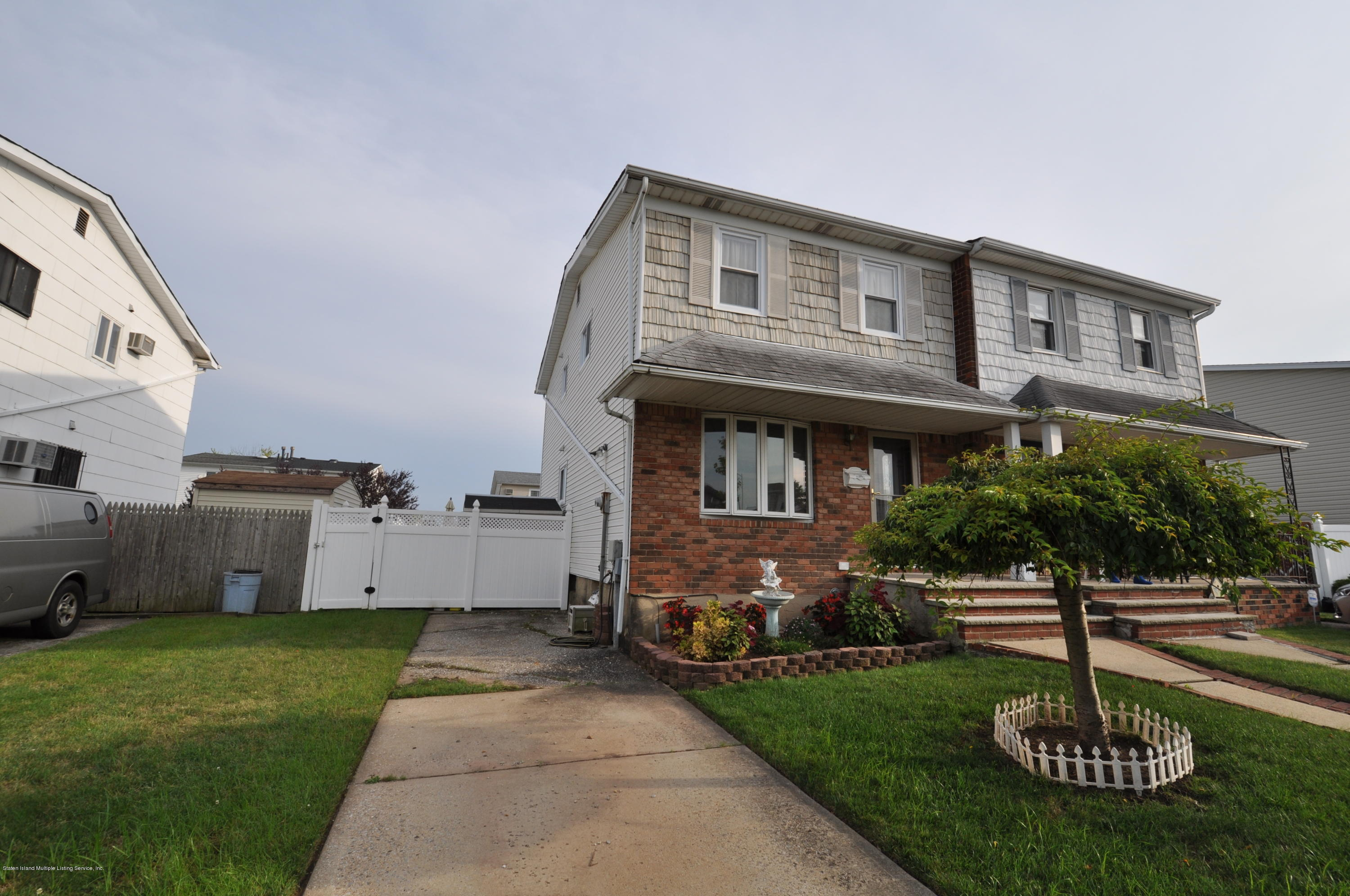 Single Family - Semi-Attached 78 Token Street  Staten Island, NY 10312, MLS-1131219-2