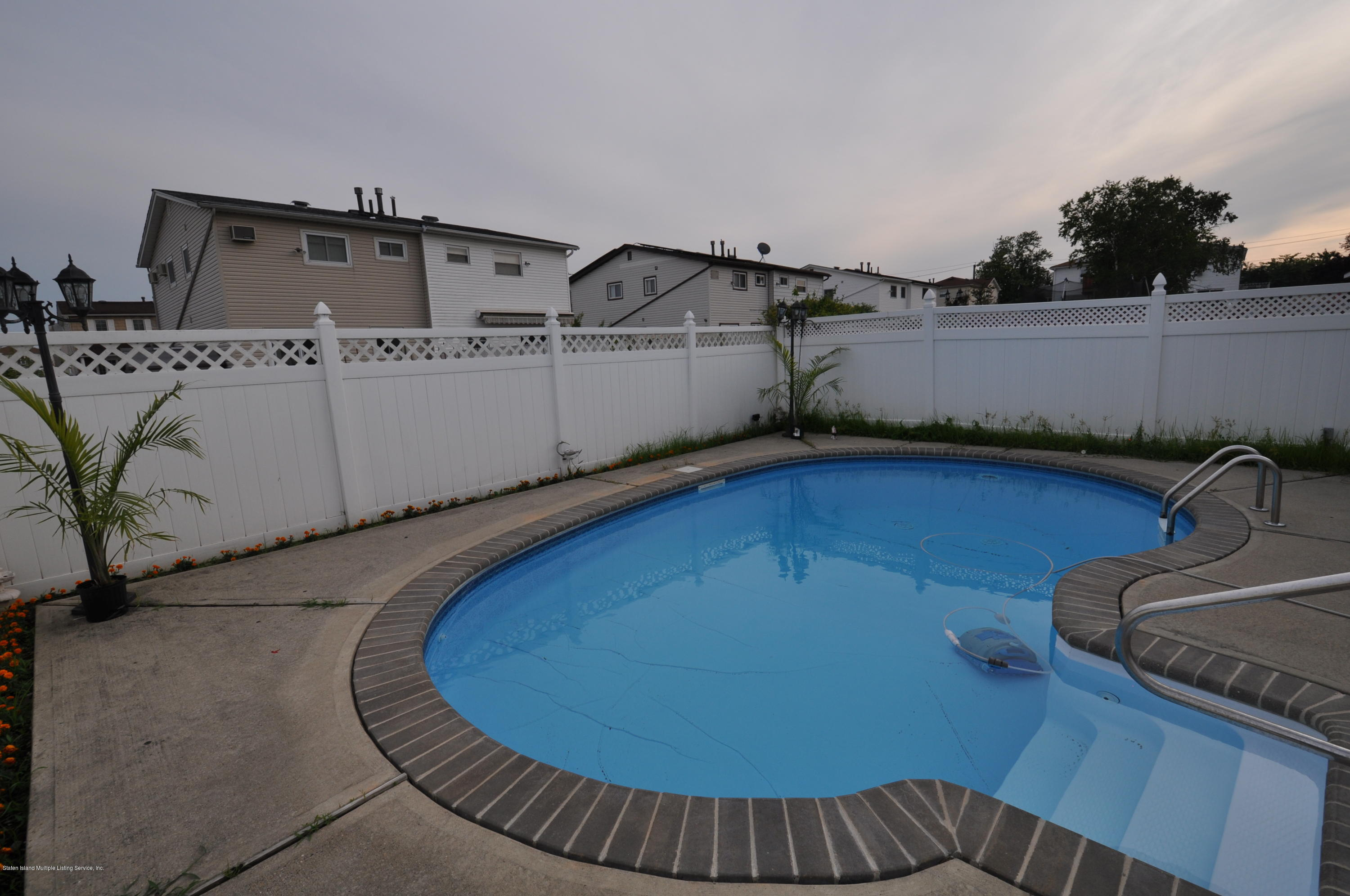 Single Family - Semi-Attached 78 Token Street  Staten Island, NY 10312, MLS-1131219-11