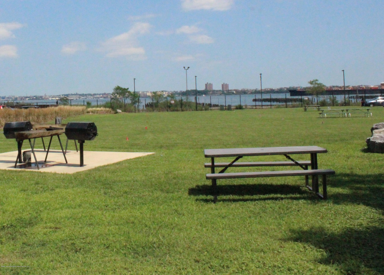 Condo 80 Bay Street Landing 3a  Staten Island, NY 10301, MLS-1131089-5