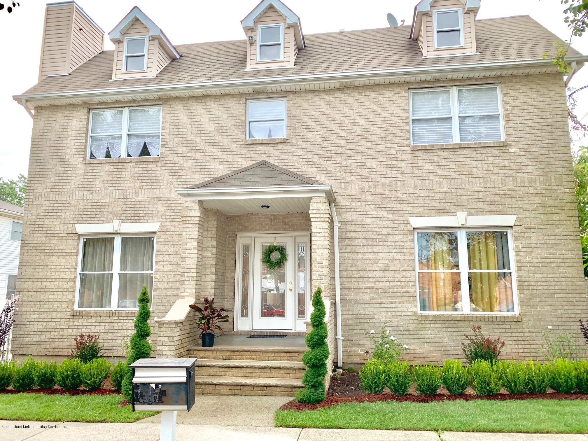 Single Family - Detached 11 Gilbert Place  Staten Island, NY 10309, MLS-1131291-2