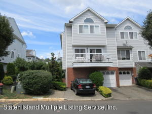 25 Admiralty Loop, Staten Island, NY 10309