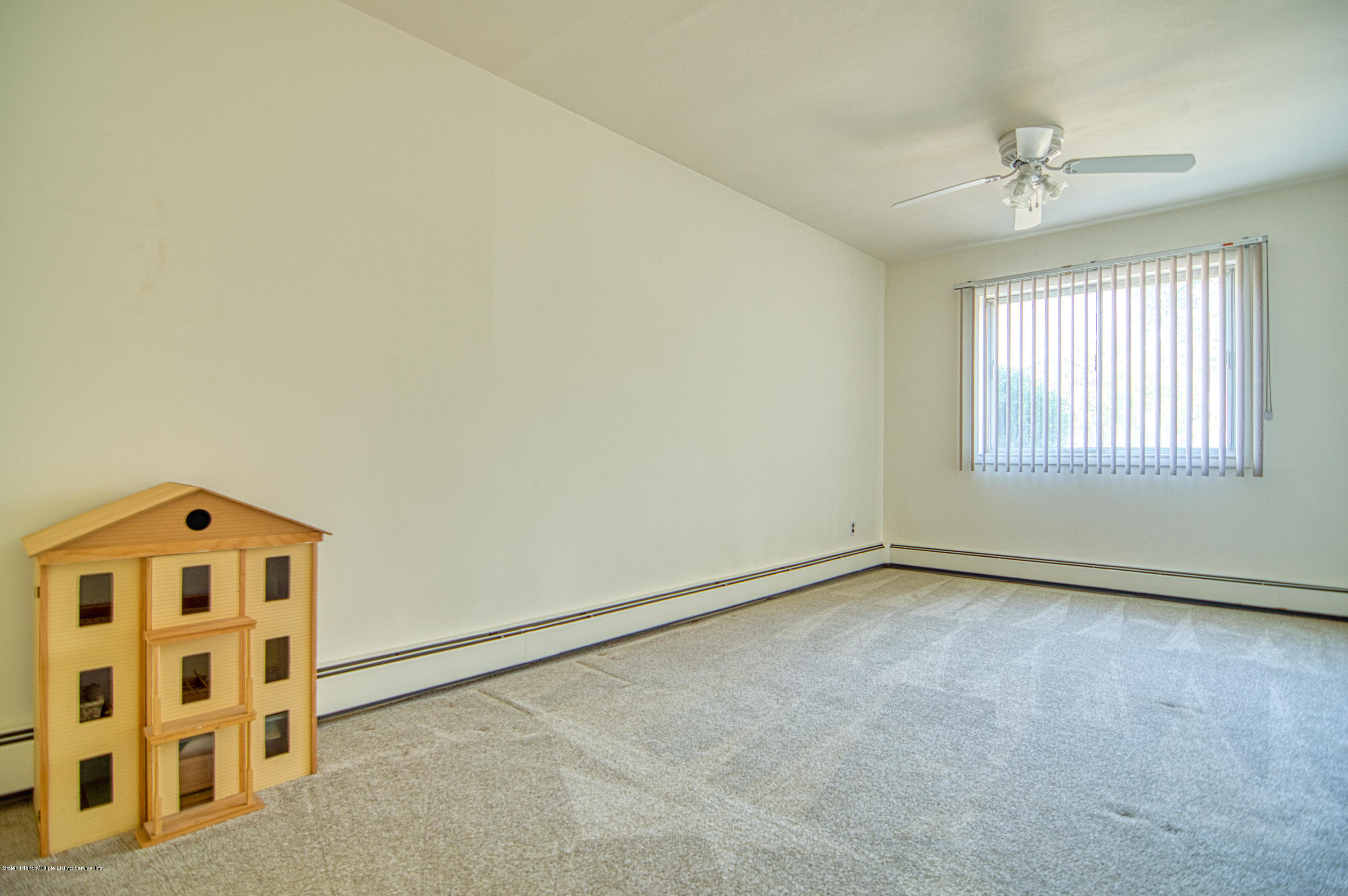 Single Family - Detached 124 Queen Street  Staten Island, NY 10314, MLS-1131413-9