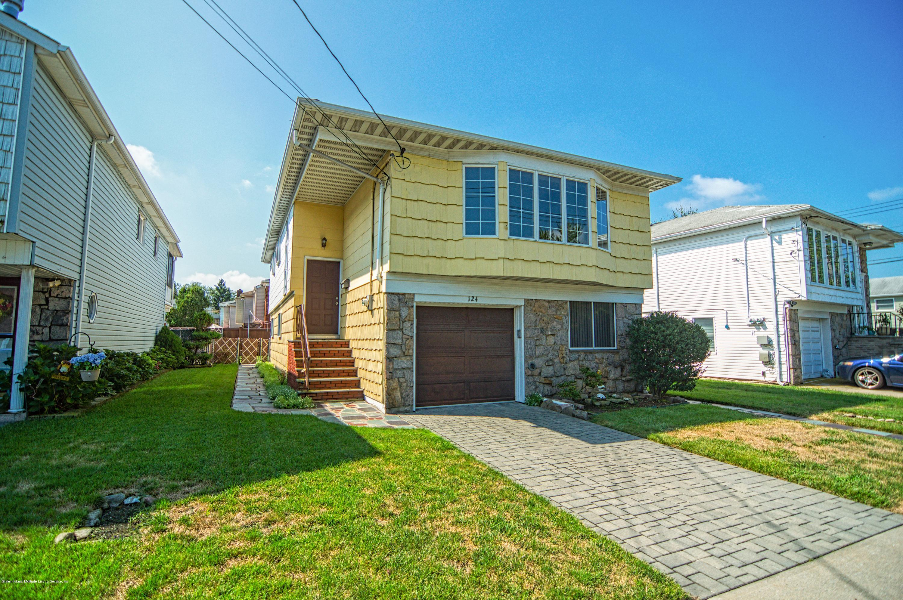 Single Family - Detached 124 Queen Street  Staten Island, NY 10314, MLS-1131413-2