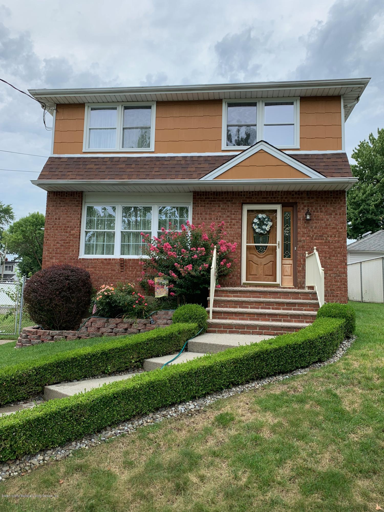 Single Family - Detached 327 Ashland Avenue  Staten Island, NY 10309, MLS-1131430-2
