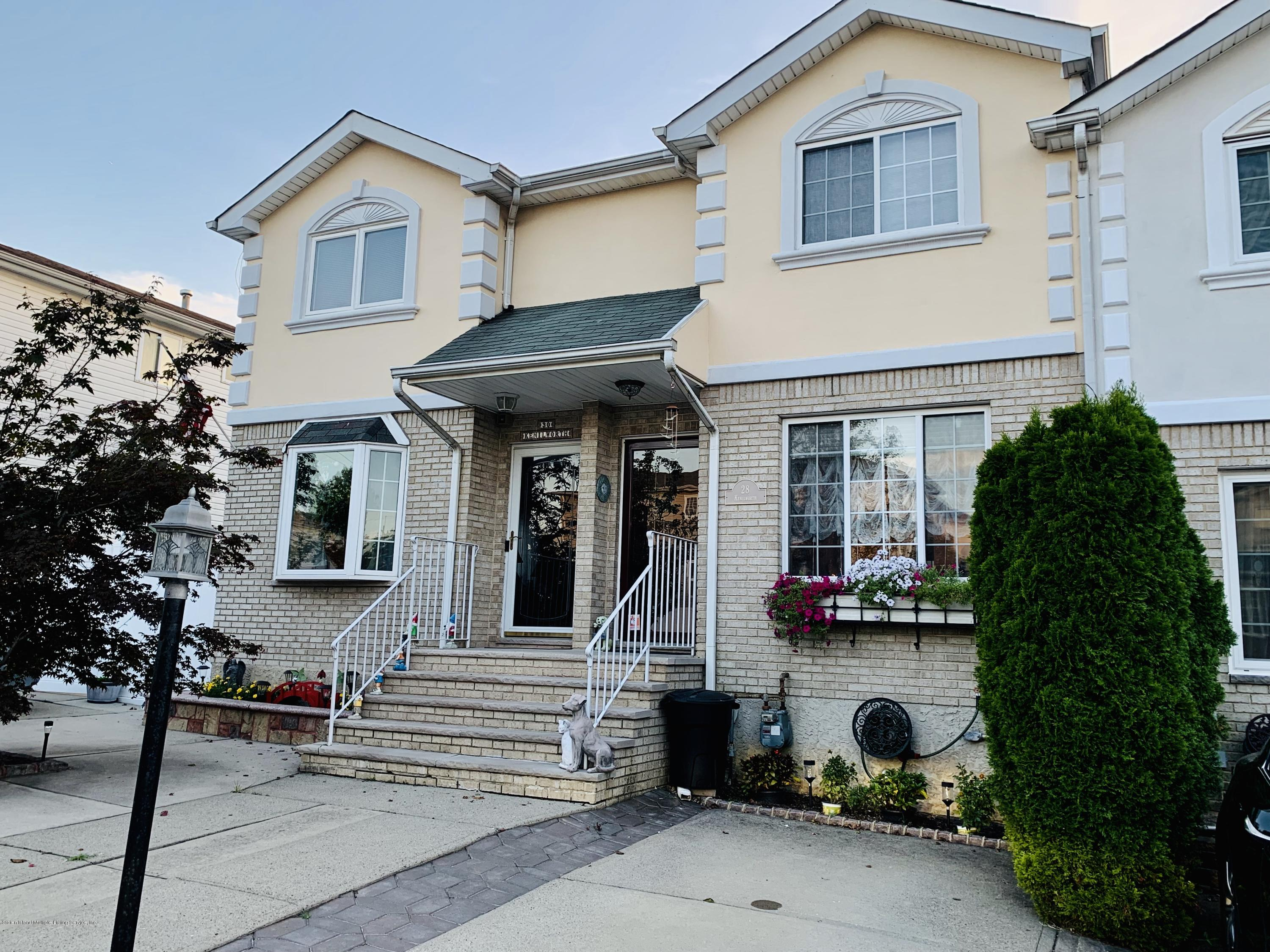 Single Family - Attached in Annadale - 28 Kenilworth Avenue  Staten Island, NY 10312