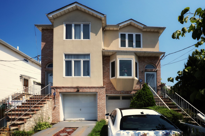 Single Family - Semi-Attached in Midland Beach - 53 Mapleton Avenue  Staten Island, NY 10306