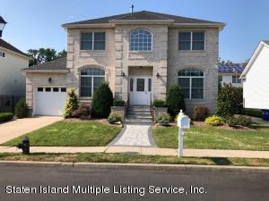 23 Dintree Lane, Staten Island, NY 10307