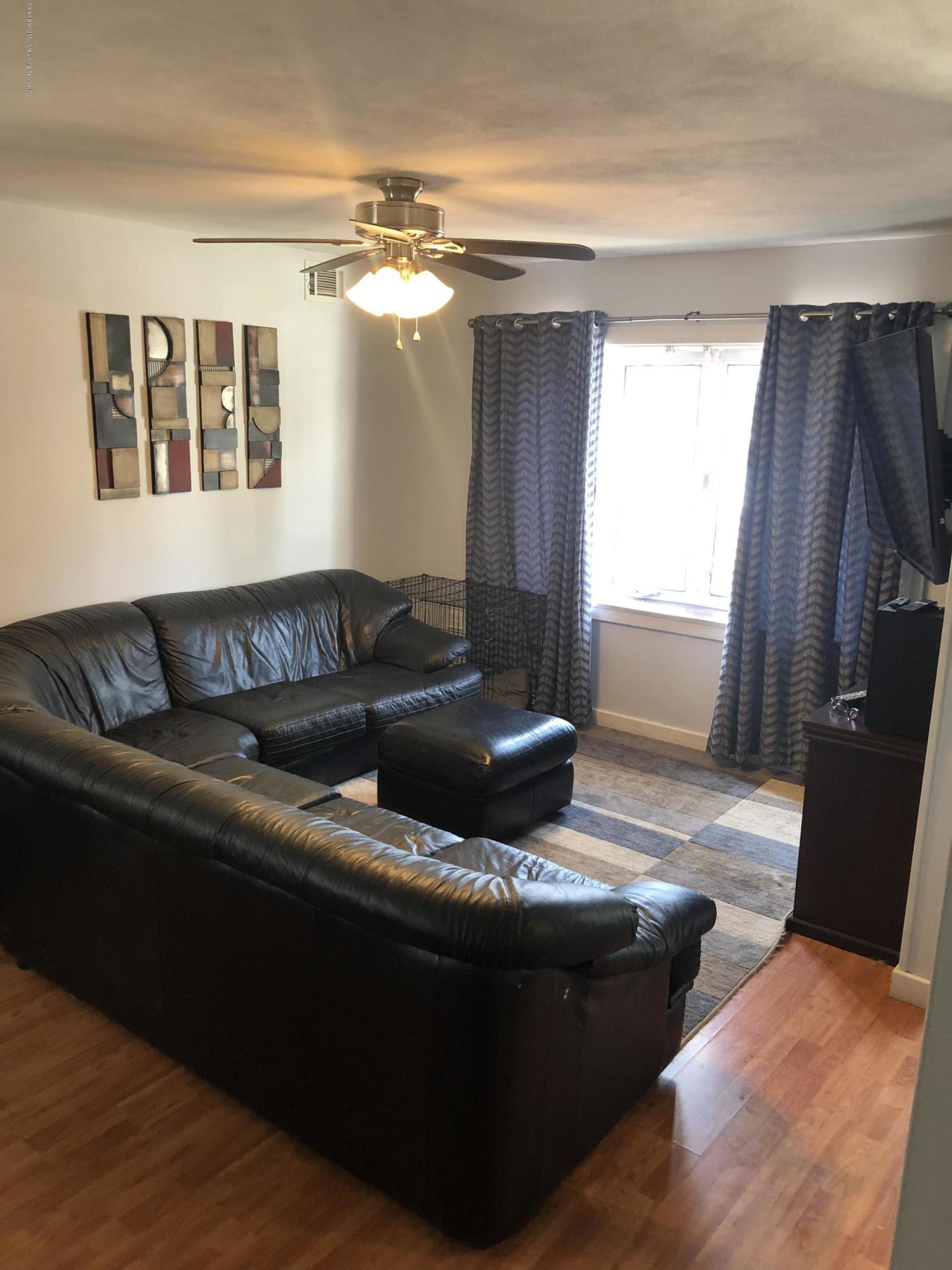 Single Family - Semi-Attached 39 Church Avenue  Staten Island, NY 10314, MLS-1130116-3