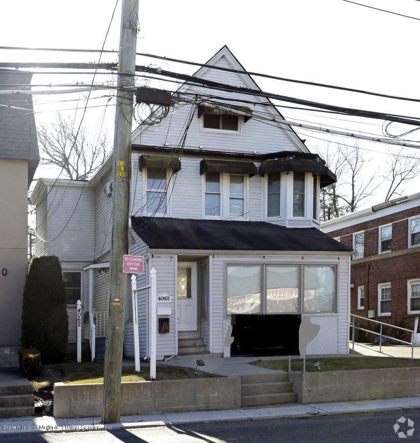 Single Family - Detached in Great Kills - 4062 Amboy Road  Staten Island, NY 10308