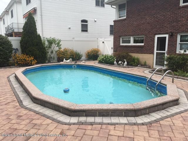 Single Family - Detached 274 Robinson Avenue  Staten Island, NY 10312, MLS-1131712-15