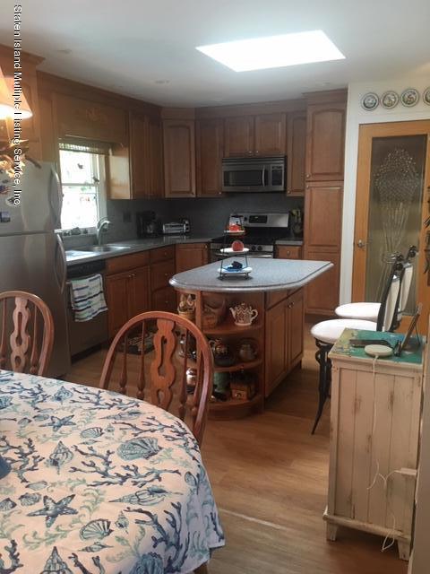 Single Family - Detached 274 Robinson Avenue  Staten Island, NY 10312, MLS-1131712-4
