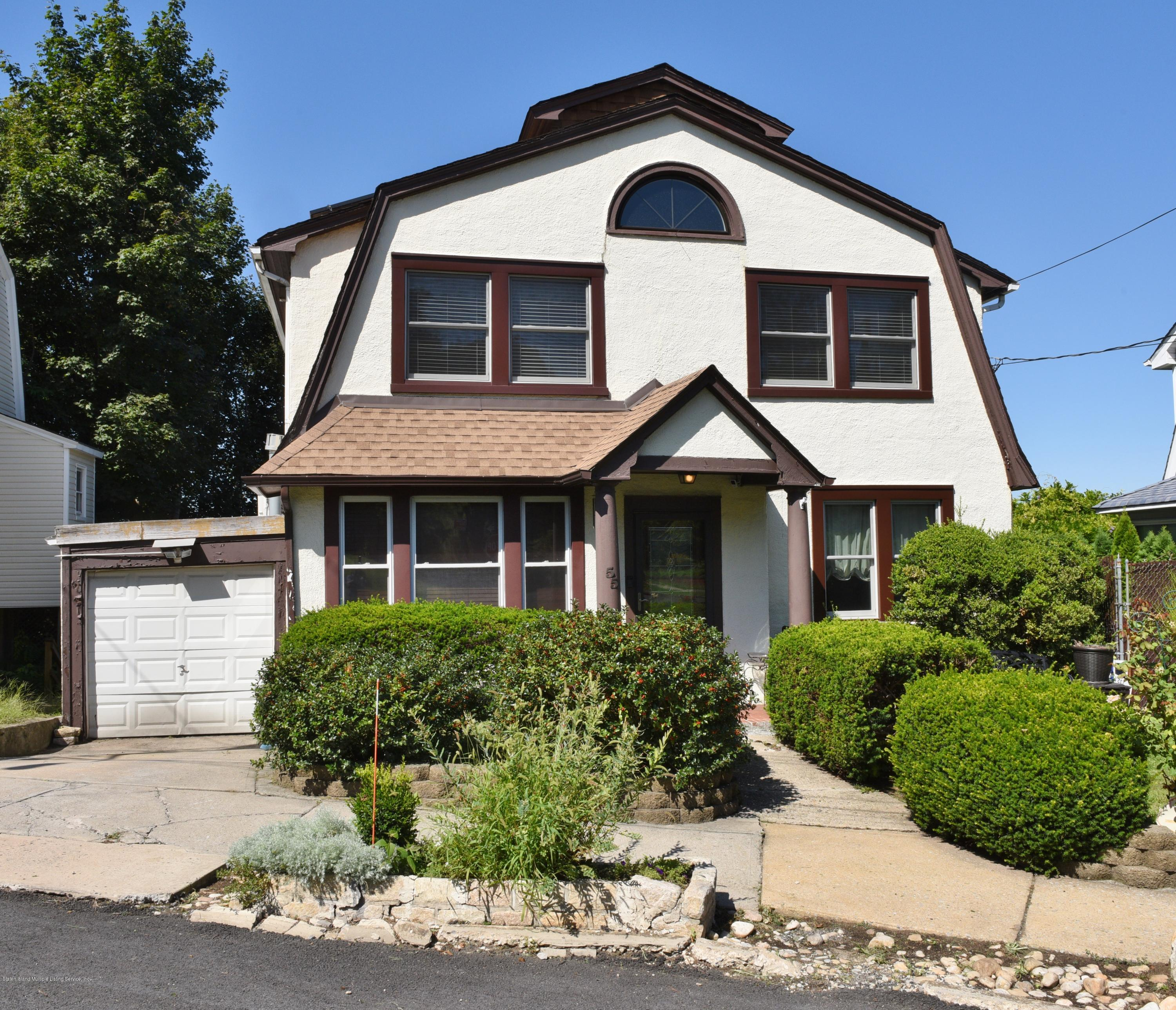 Single Family - Detached in St. George - 55 Fort Hill Circle  Staten Island, NY 10301
