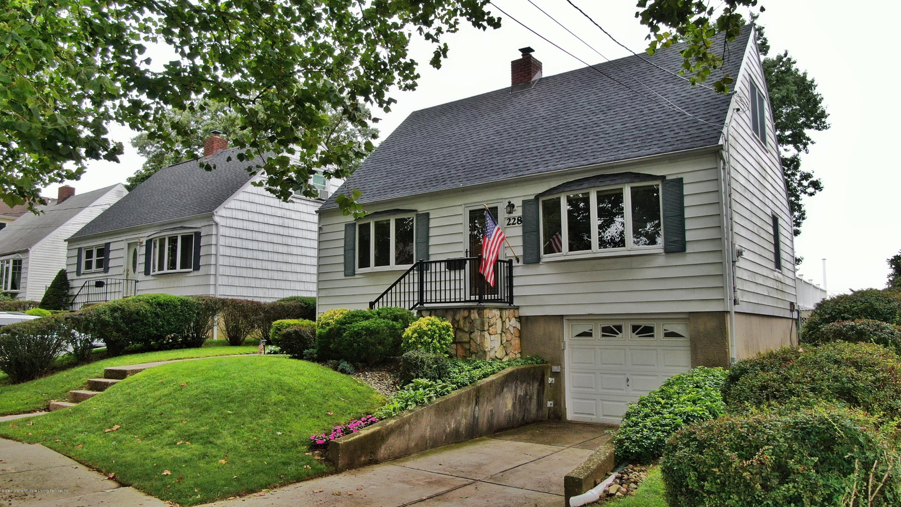 Single Family - Detached in Manor Heights - 228 Fanning Street  Staten Island, NY 10314