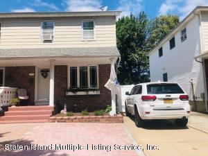 17 Middle Loop Road, Staten Island, NY 10308