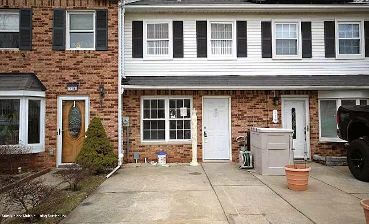 Single Family - Attached in Richmond Town - 117 Blythe Place  Staten Island, NY 10306