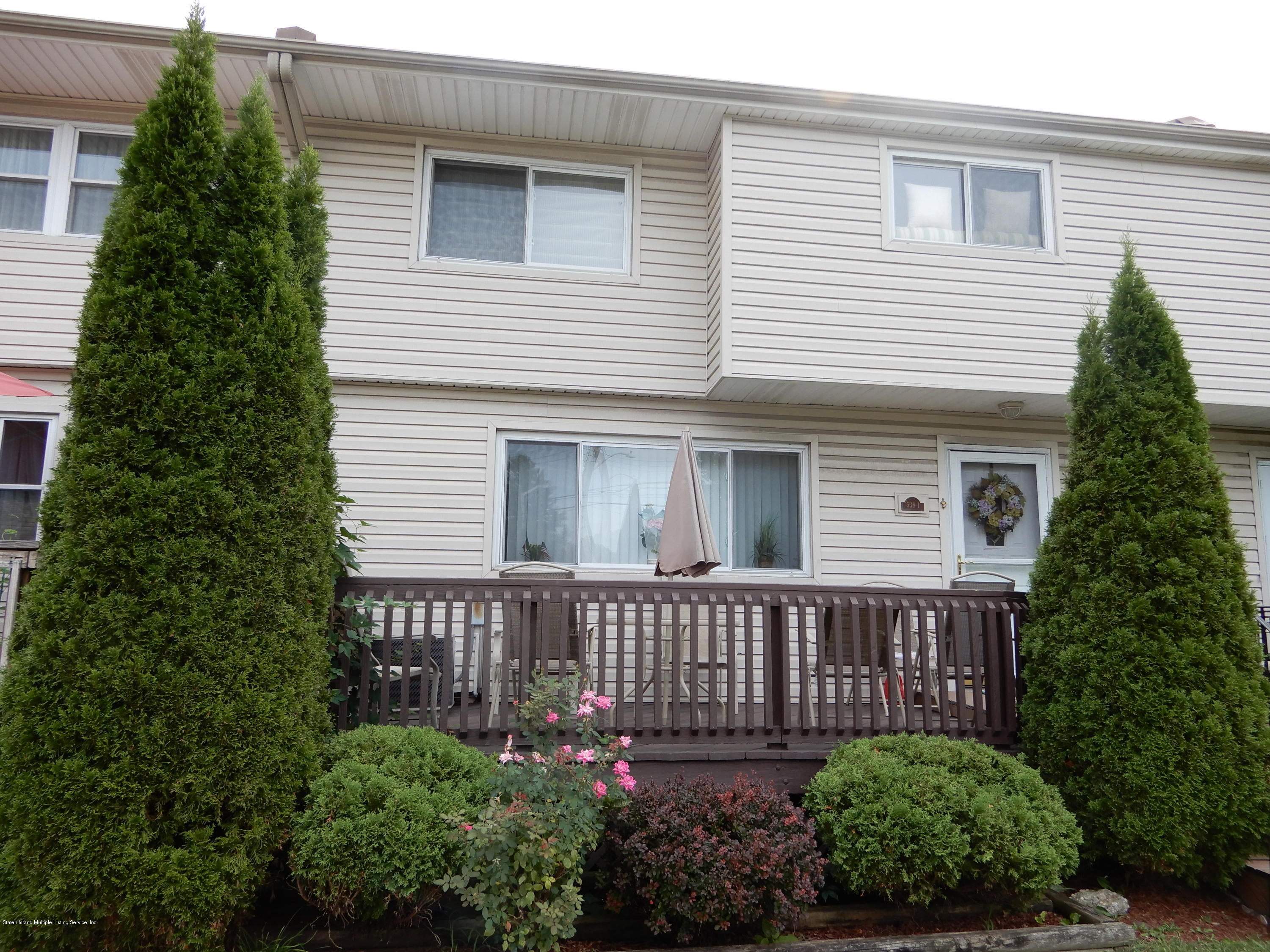 Condo in Westerleigh - 539-1 Willow Road  Staten Island, NY 10314