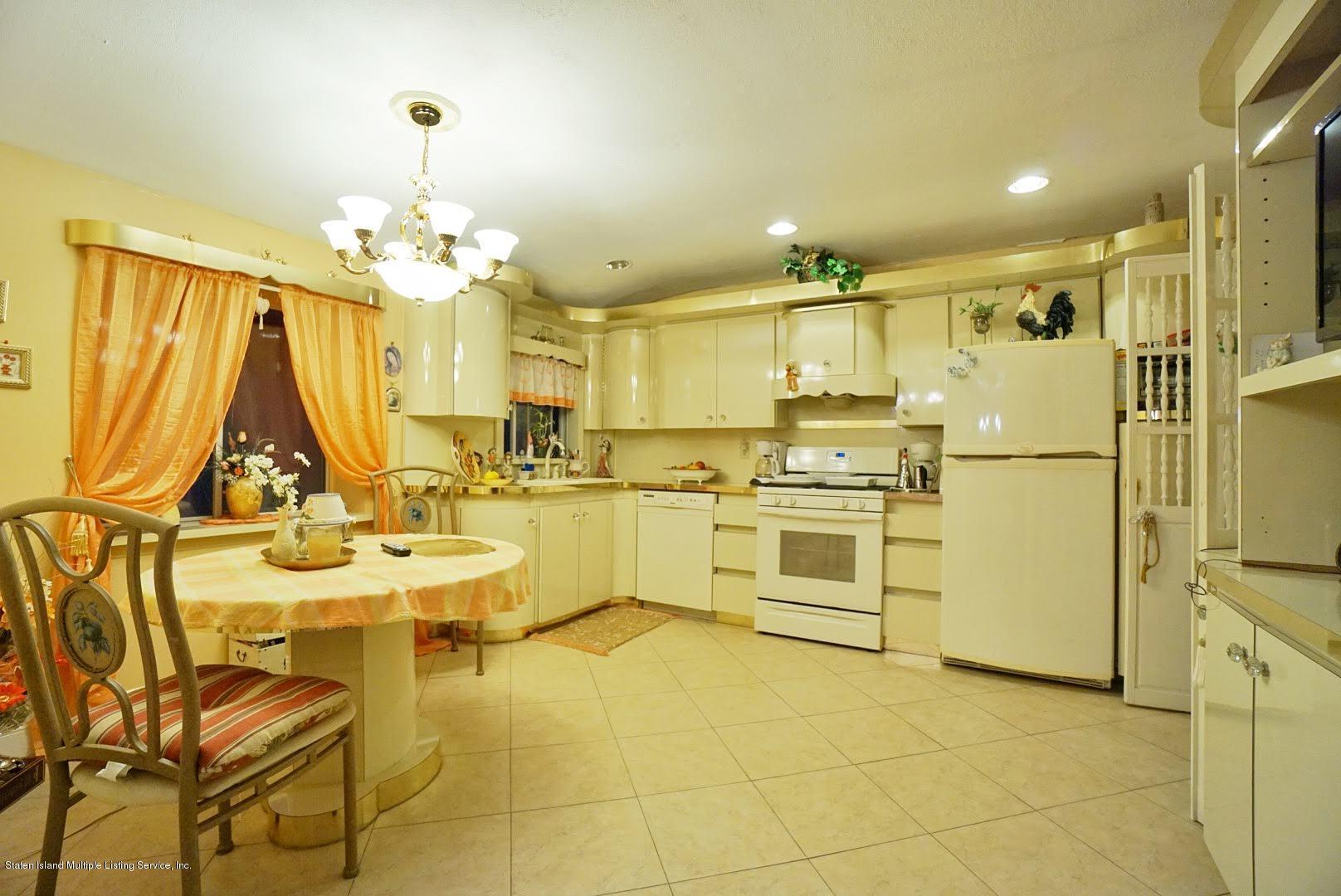 Single Family - Detached 81 Ramapo Avenue  Staten Island, NY 10309, MLS-1132028-15