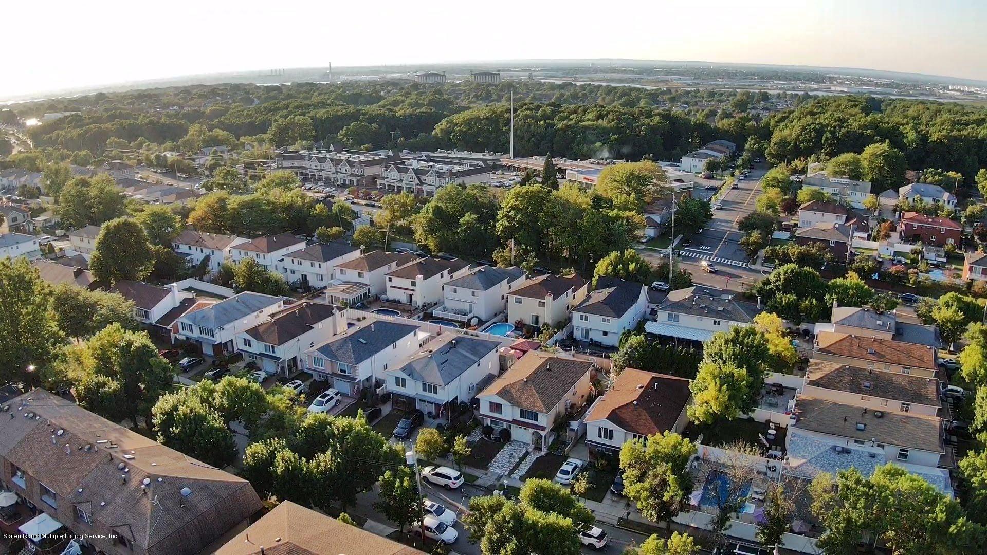 Single Family - Detached 81 Ramapo Avenue  Staten Island, NY 10309, MLS-1132028-27