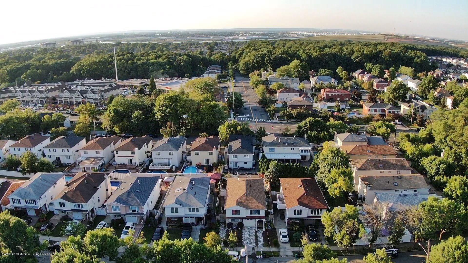 Single Family - Detached 81 Ramapo Avenue  Staten Island, NY 10309, MLS-1132028-28