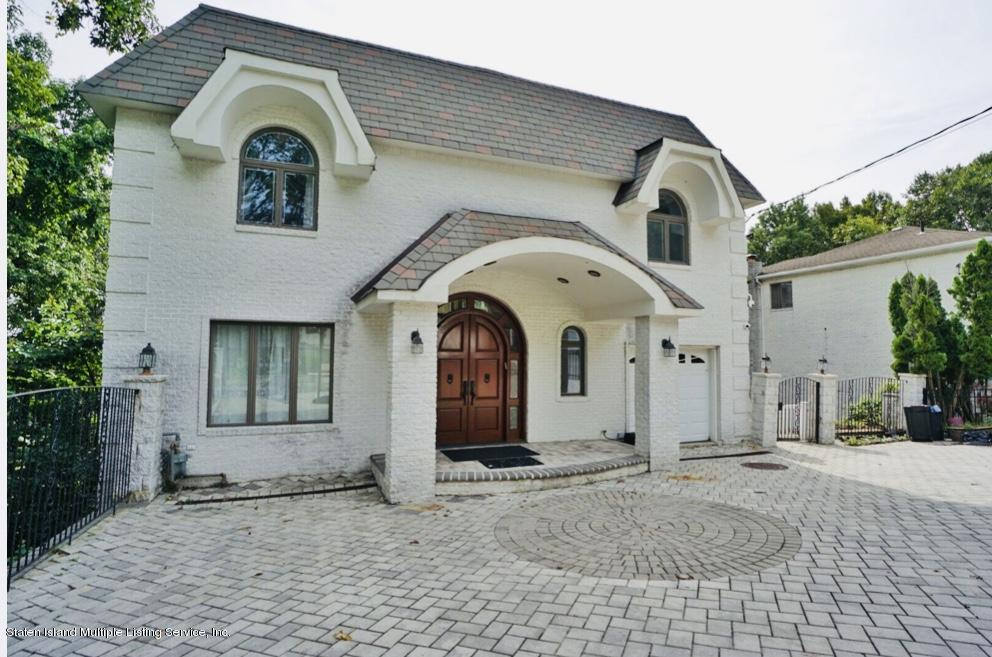 Single Family - Detached in Todt Hill - 10 Oceanview Lane  Staten Island, NY 10301