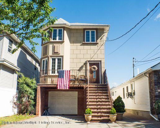 Single Family - Detached in Princes Bay - 27 Marscher Place  Staten Island, NY 10309