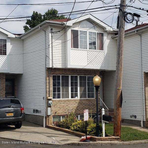 Single Family - Attached in Annadale - 17 Don Court  Staten Island, NY 10312