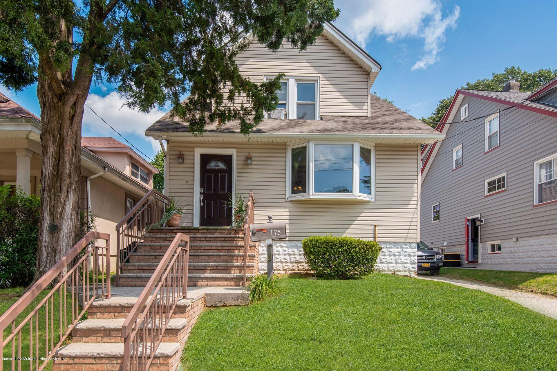 Single Family - Detached in Manor Heights - 175 Mountainview Avenue  Staten Island, NY 10314