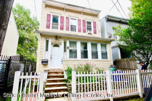 161 York Ave, Staten Island, NY 10301