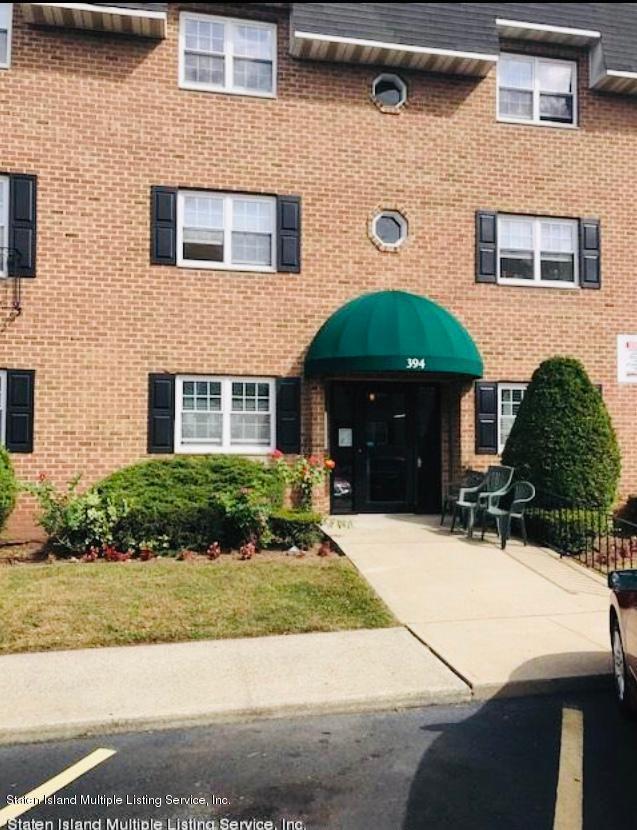 Co-Op in Rosebank - 416 Maryland Avenue 2b  Staten Island, NY 10305