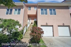 17 Harbour Court, Staten Island, NY 10308
