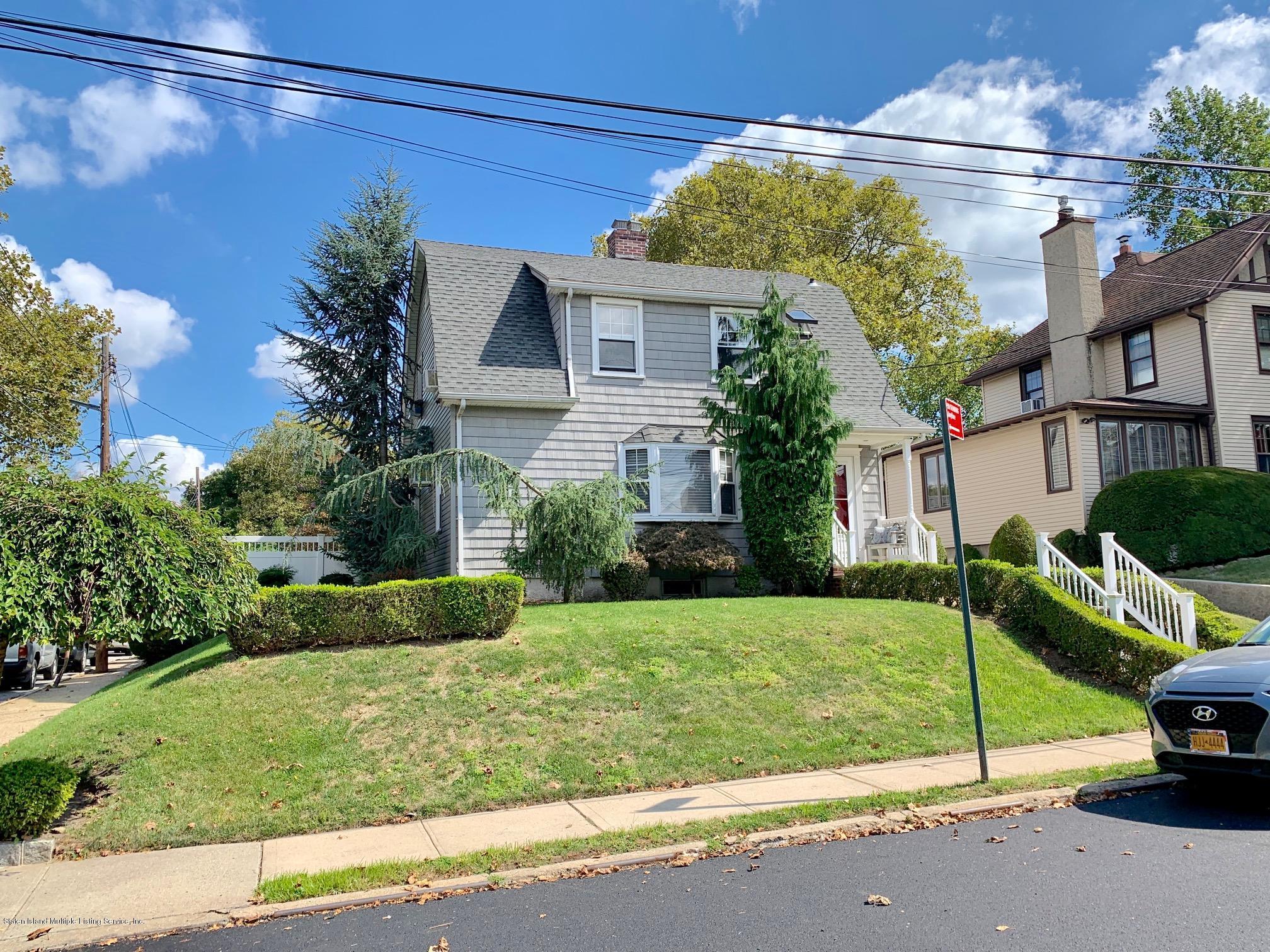 Single Family - Detached in Castletn Corner - 195 Fairview Avenue  Staten Island, NY 10314