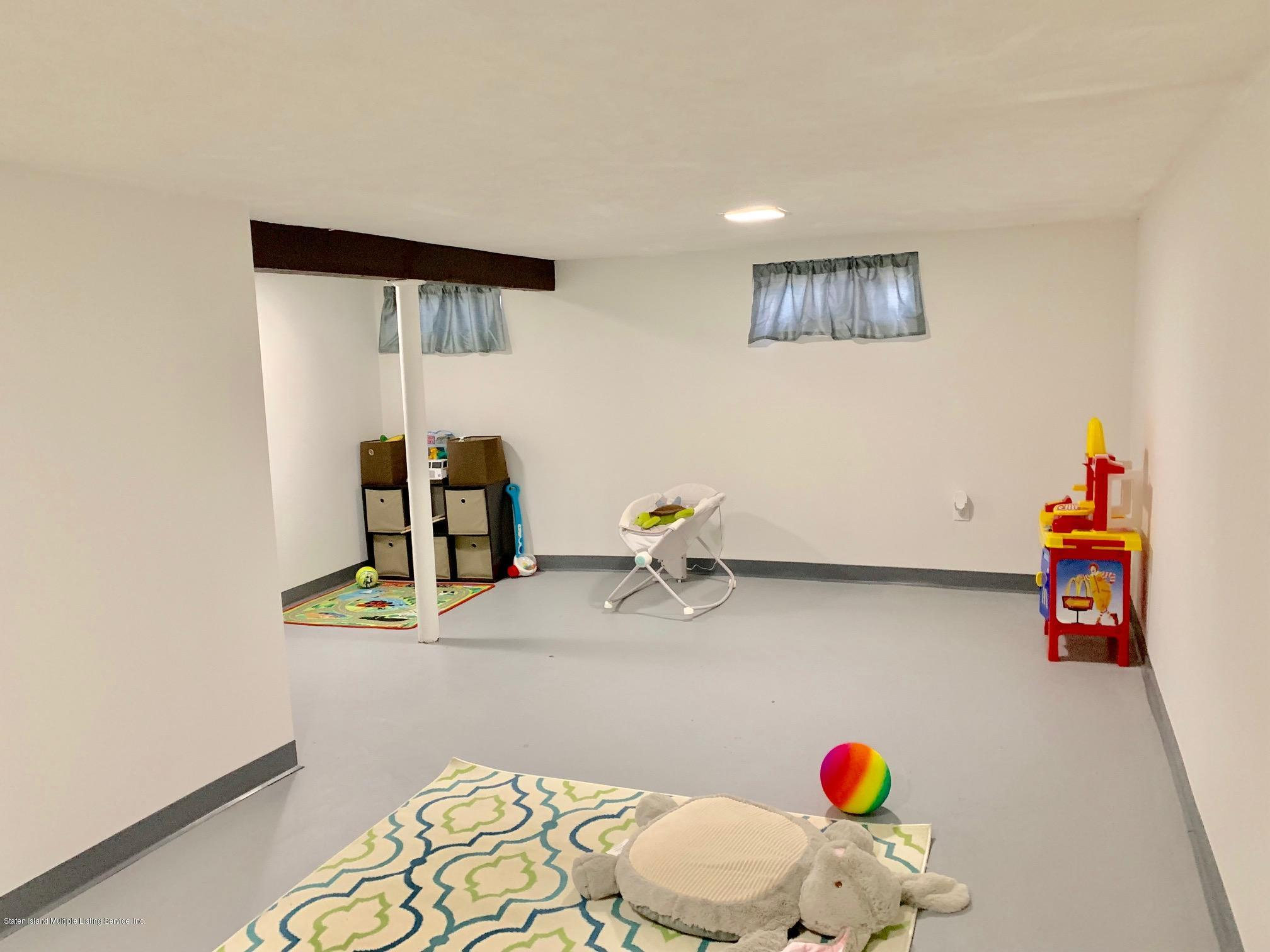 Single Family - Detached 195 Fairview Avenue  Staten Island, NY 10314, MLS-1132423-33