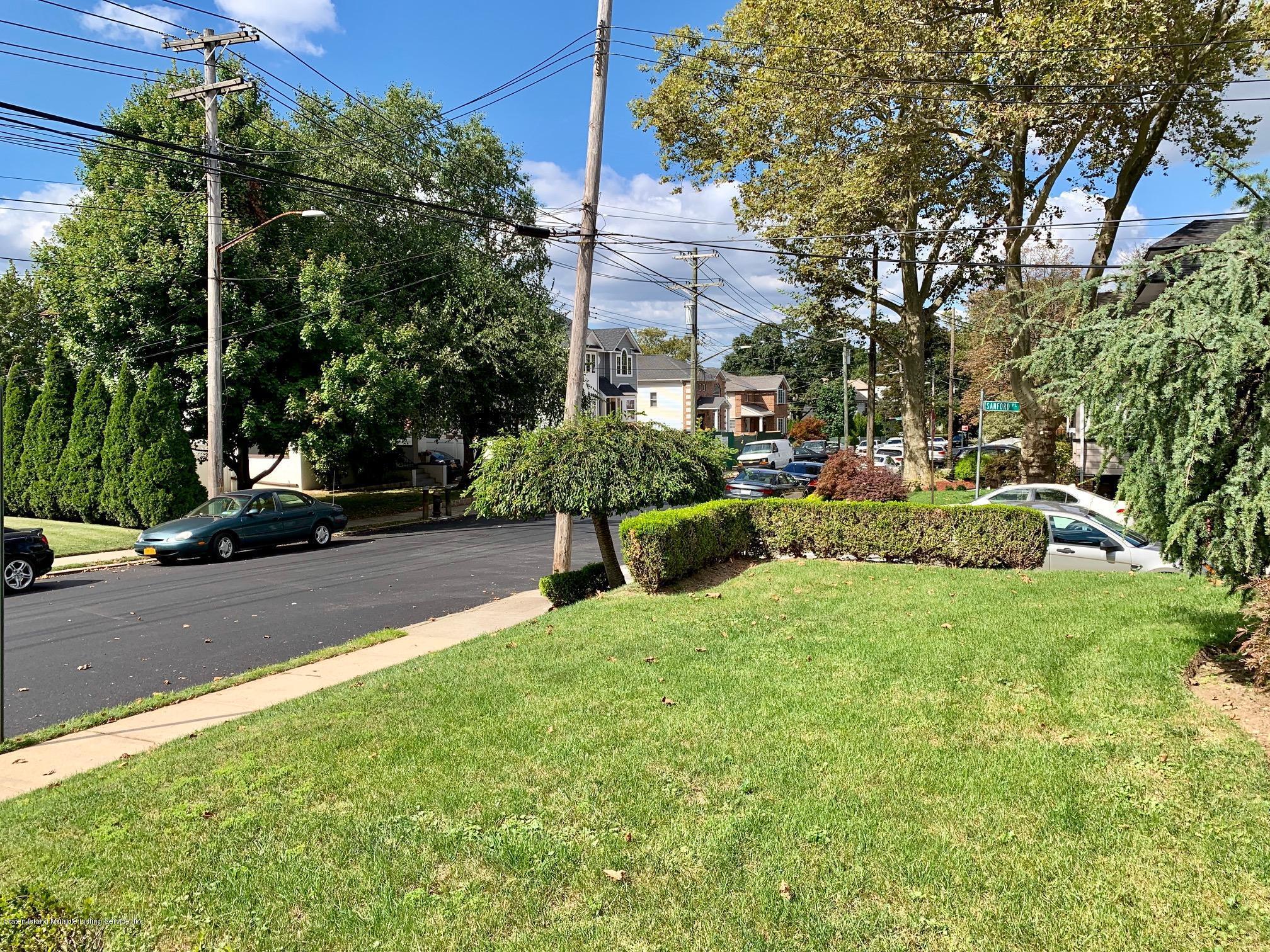 Single Family - Detached 195 Fairview Avenue  Staten Island, NY 10314, MLS-1132423-42